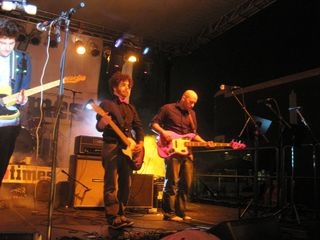 Fabian Halabou on guitar, Mike Majewski on bass